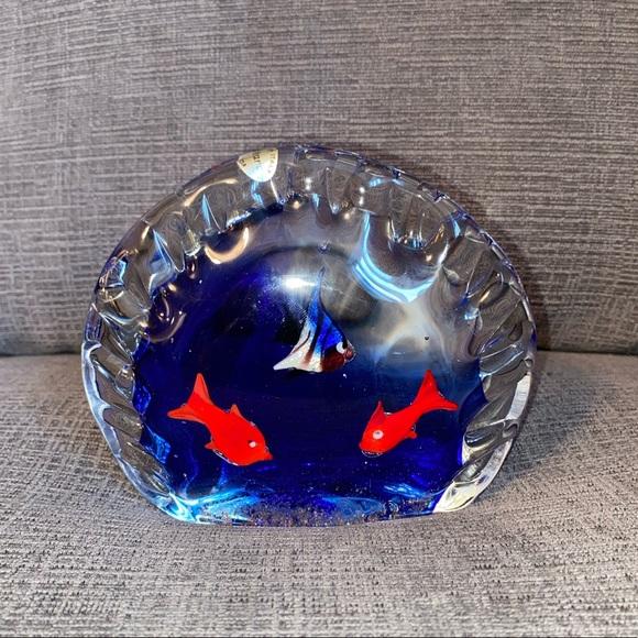 Vtg Murano Clam Shaped Aquarium Paperweight
